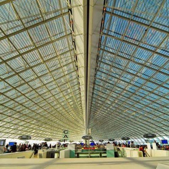 Airport Charle de Gaule